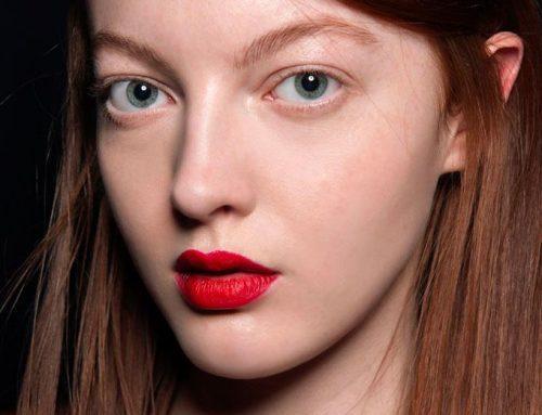 Labios rojos perfectos: Este es el truco del backstage que nadie te había contado